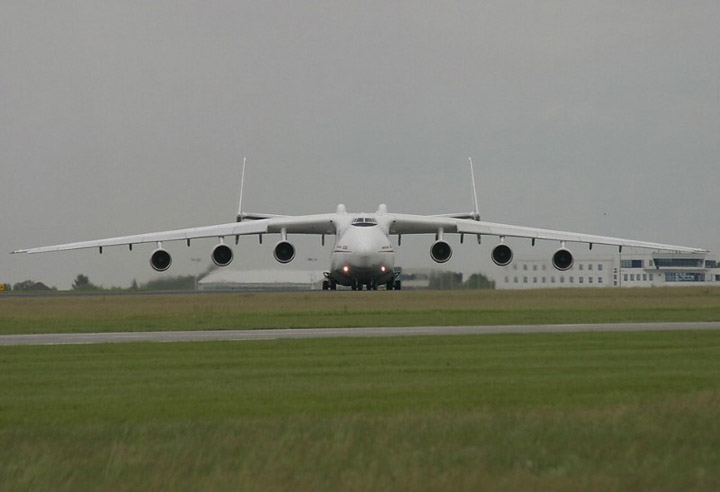 Antonov AN-225 the worlds heaviest and largest jet 11