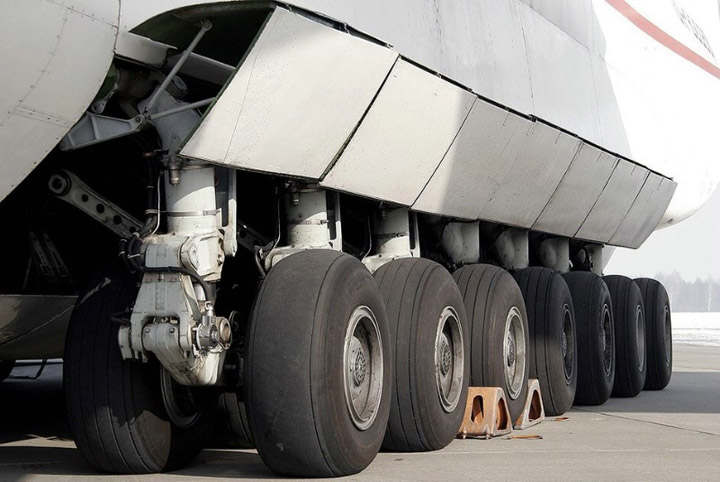 Antonov AN-225 the worlds heaviest and largest jet 13
