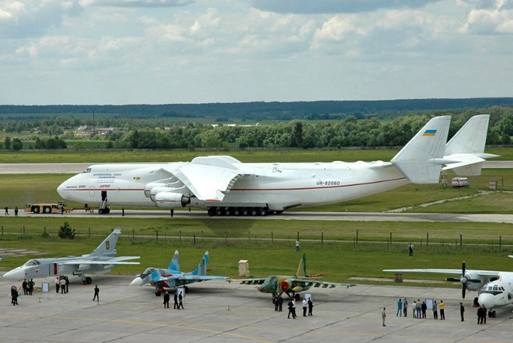 Antonov AN-225 the worlds heaviest and largest jet 15