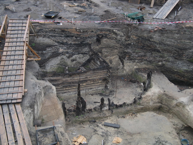 excavations took place near the walls of the Kremlin, Moscow 3