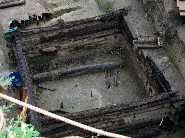 excavations took place near the walls of the Kremlin, Moscow 6