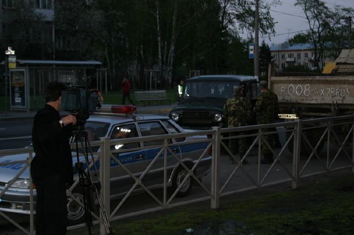 russian military vehicles smash ambulance 5