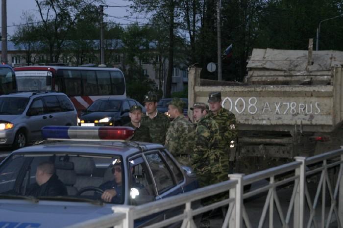 russian military vehicles smash ambulance 9