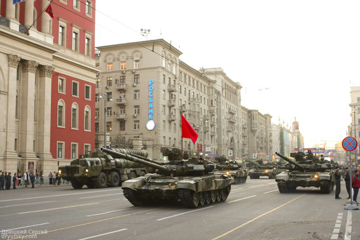 Moscow invaded by Russian army 12