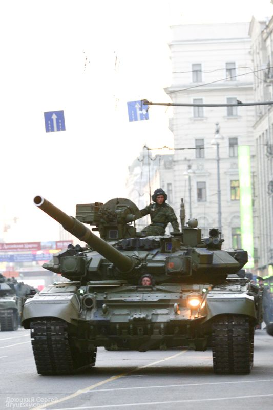 Moscow invaded by Russian army 17