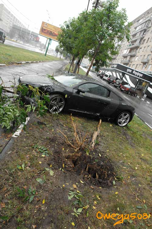 audi r8 crashed in Moscow 6