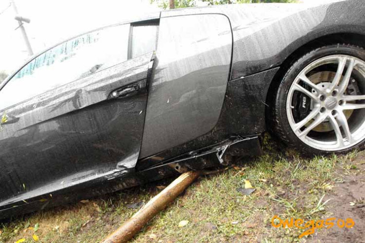 audi r8 crashed in Moscow 7