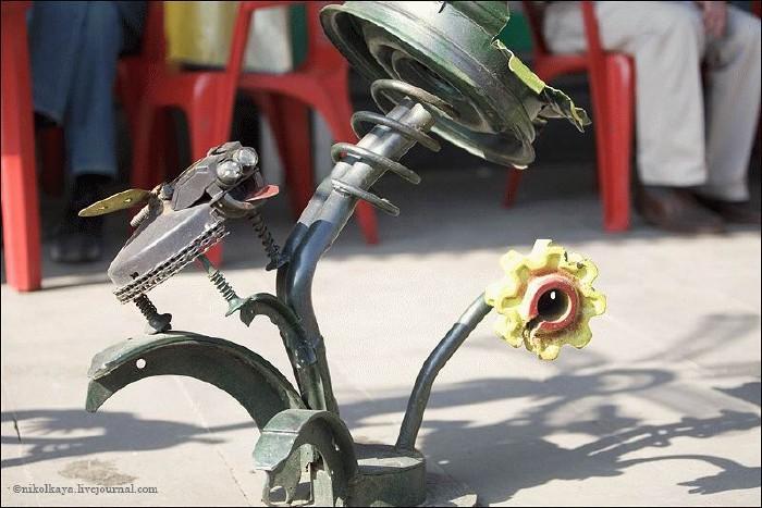 Russian auto parts sculptures 10