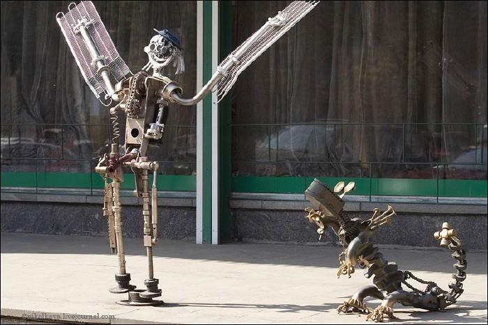 Russian auto parts sculptures 4