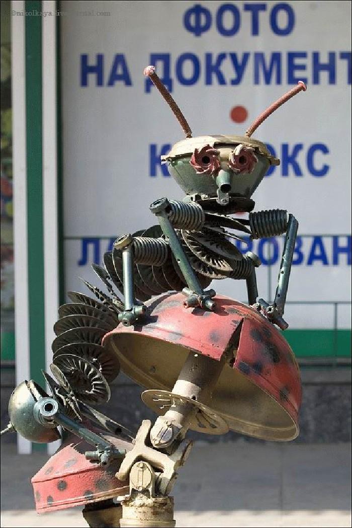 Russian auto parts sculptures 9