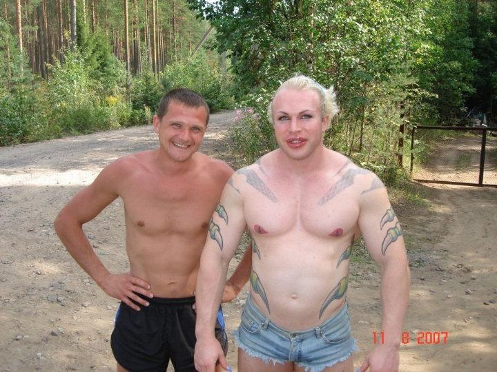 strange bodybuilder was spotted on the lake shore 2