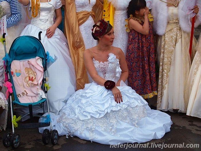 Brides\' Parade 11