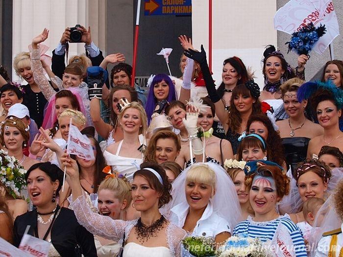 Brides\' Parade 15