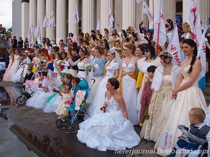 Brides\' Parade 16