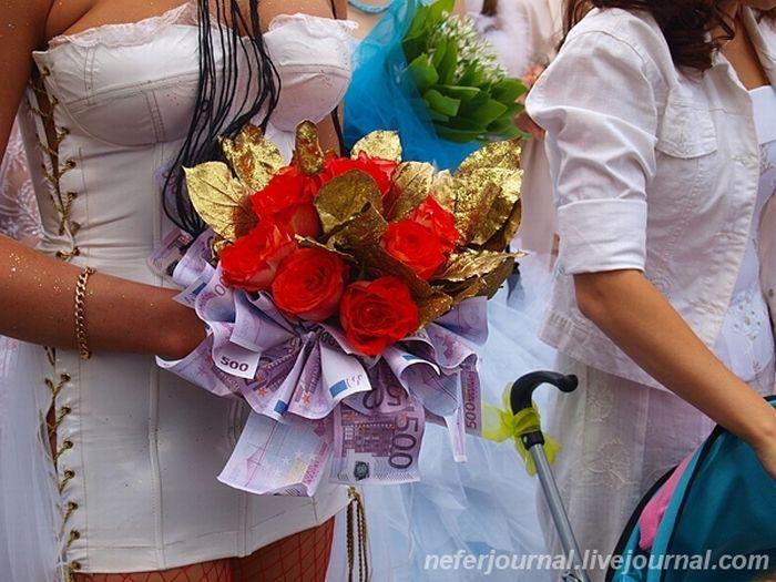 Brides\' Parade 21