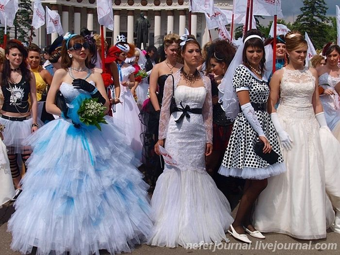 Brides\' Parade 27