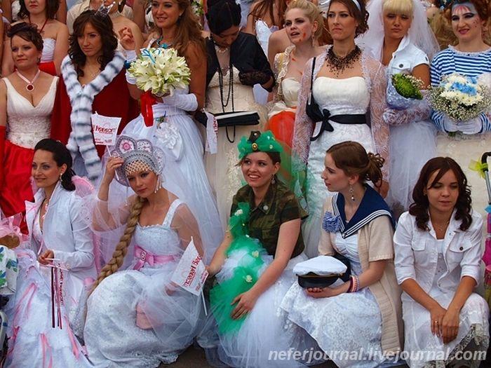 Brides\' Parade 7