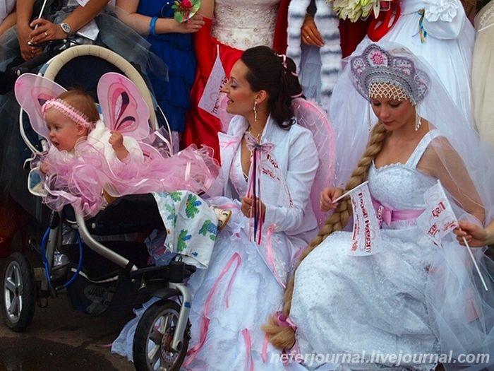 Brides\' Parade 9
