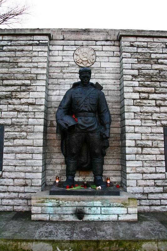 bronze soldier, estonia 1
