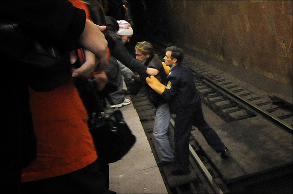 Russian guy on rails at metro 5