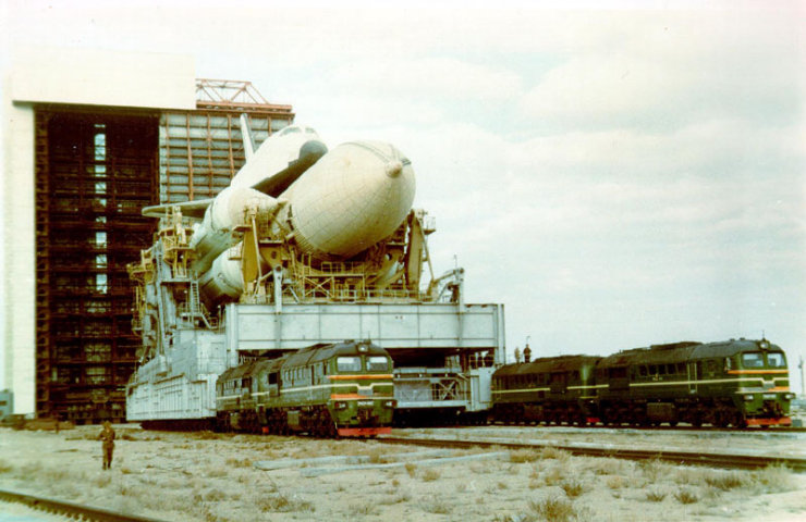 buran, the only one soviet space shuttle 14