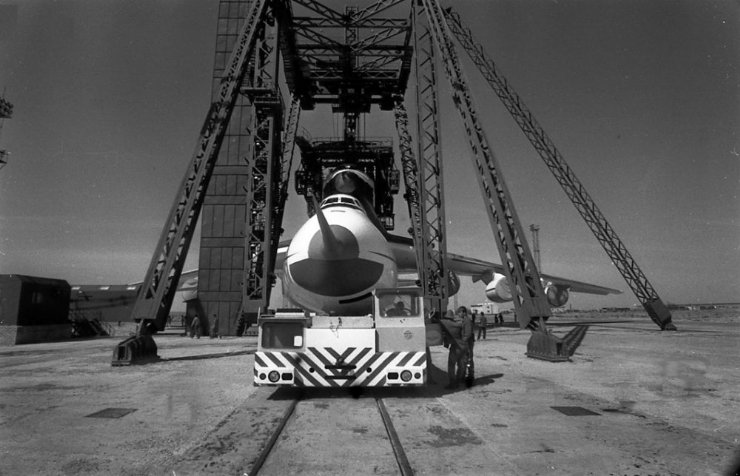 buran, the only one soviet space shuttle 5