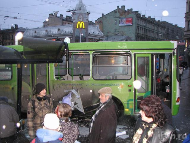 bus crashes bus stop in st. petersburg 2