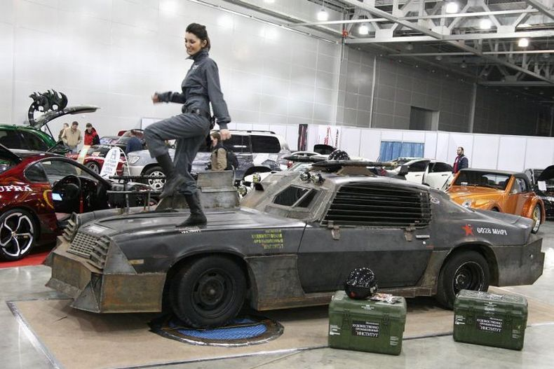 Chevrolet Camaro Mad Max style 8