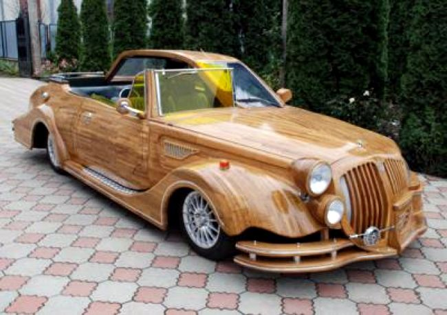 Russian car made of wood 1