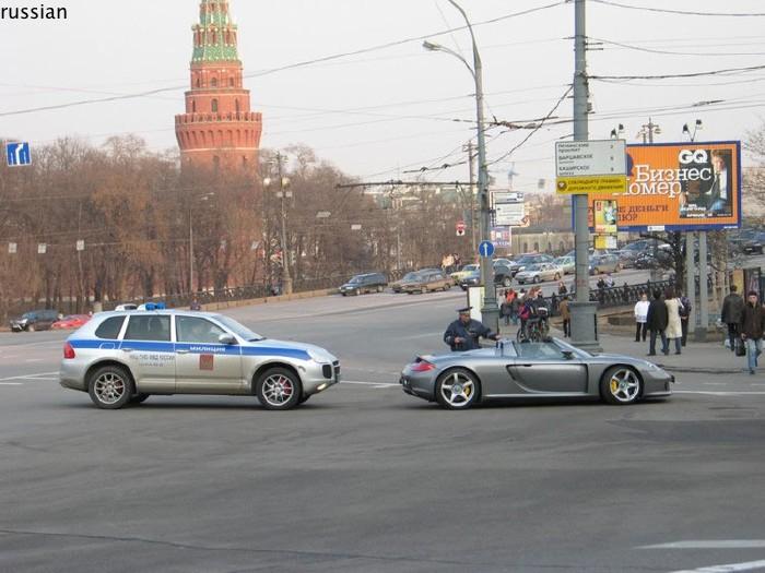 cayenna police car