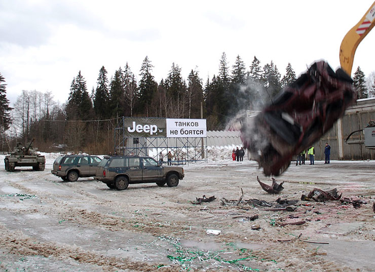 Russians smash American cars with a tank!  11
