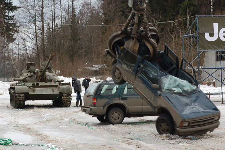 Russians smash American cars with a tank!  14