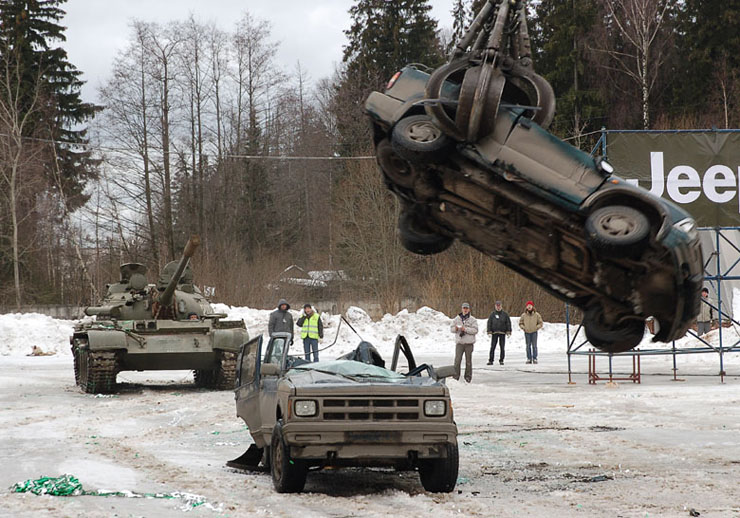Russians smash American cars with a tank!  15