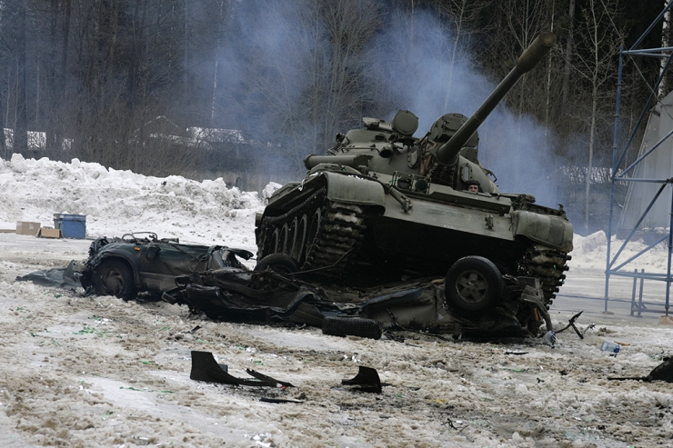 Russians smash American cars with a tank! 3
