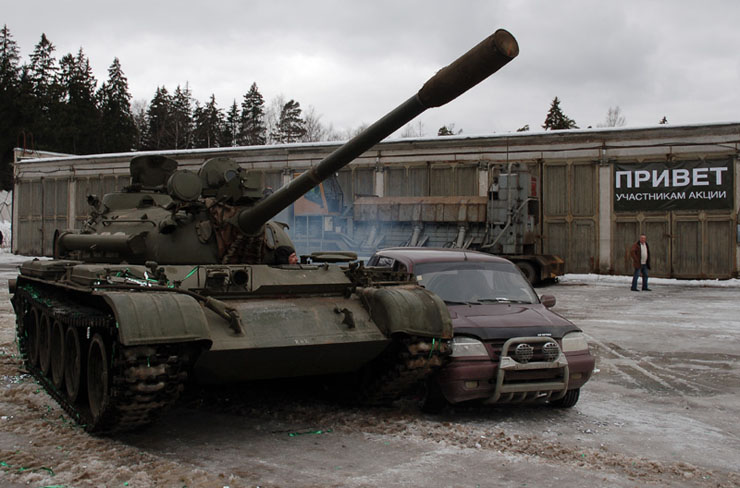 Russians smash American cars with a tank!  6