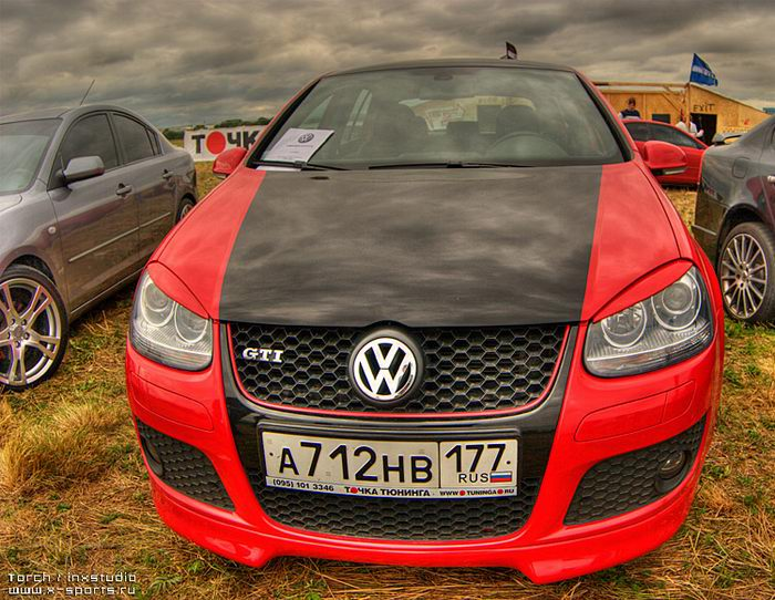 Russian car exhibition on HDR 1