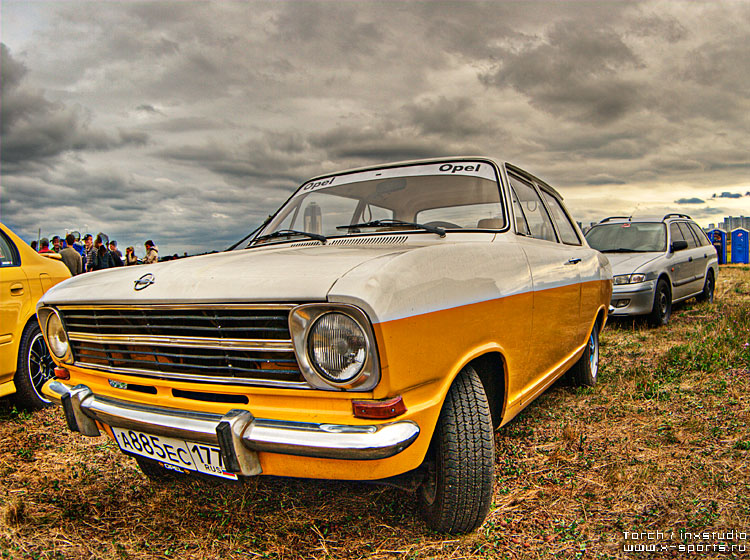 Russian car exhibition on HDR 12
