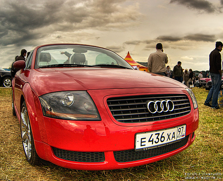 Russian car exhibition on HDR 25