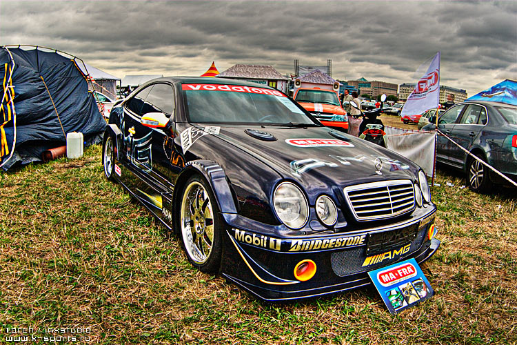 Russian car exhibition on HDR 4