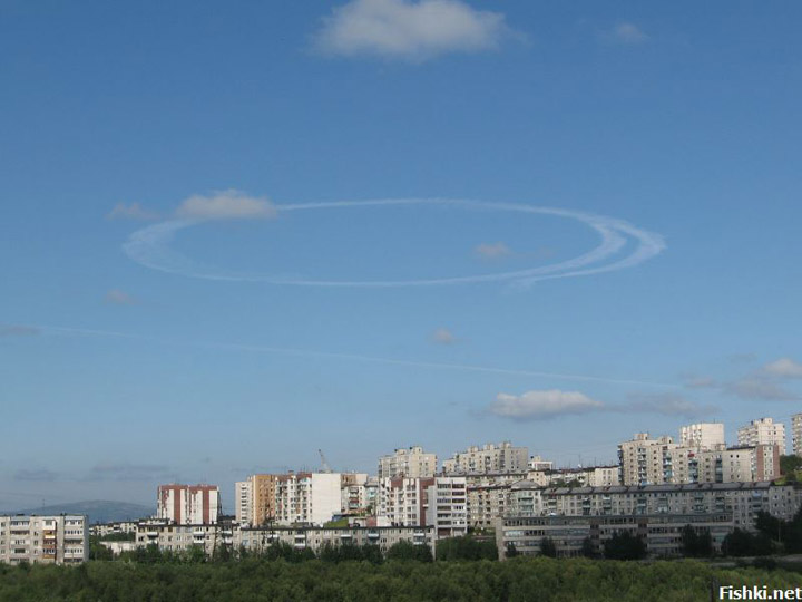 strange sky circles were spotted in Murmansk city 2