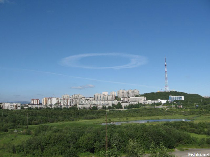 strange sky circles were spotted in Murmansk city 4
