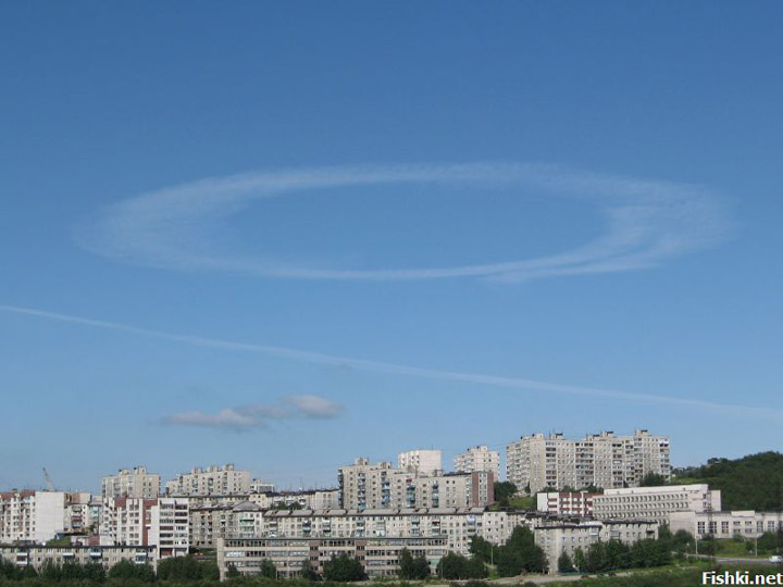 strange sky circles were spotted in Murmansk city 5