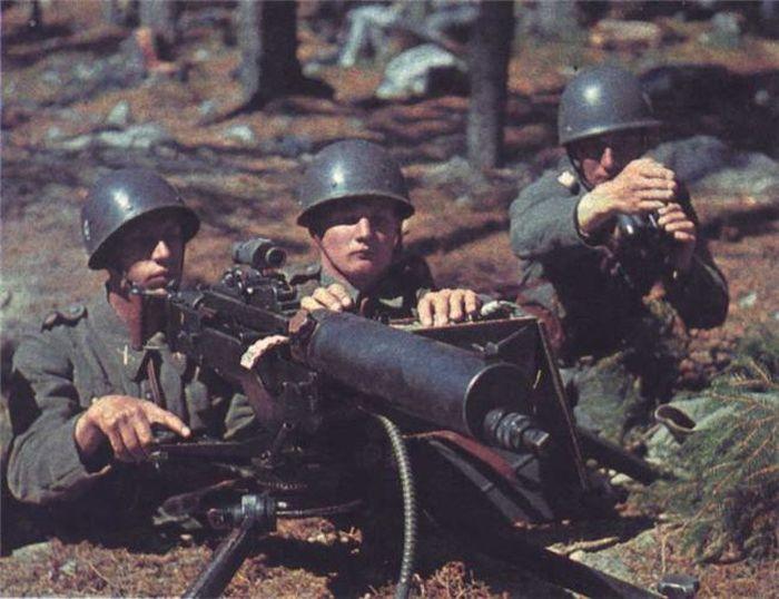 Colors of World War II 39