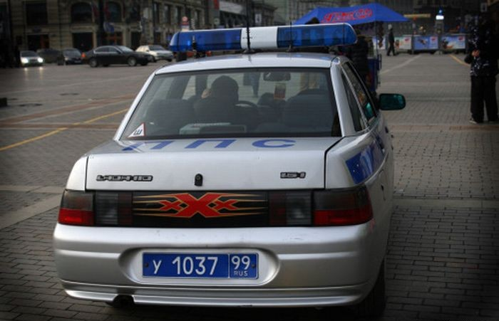 Russian police car, it's cool 2