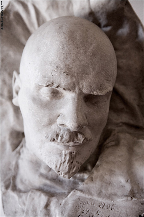deathmasks of the famous soviet figures 1