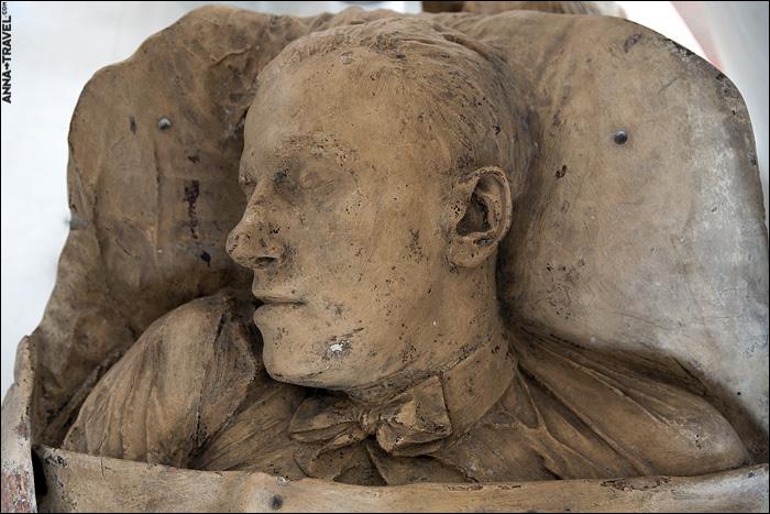 deathmasks of the famous soviet figures 6