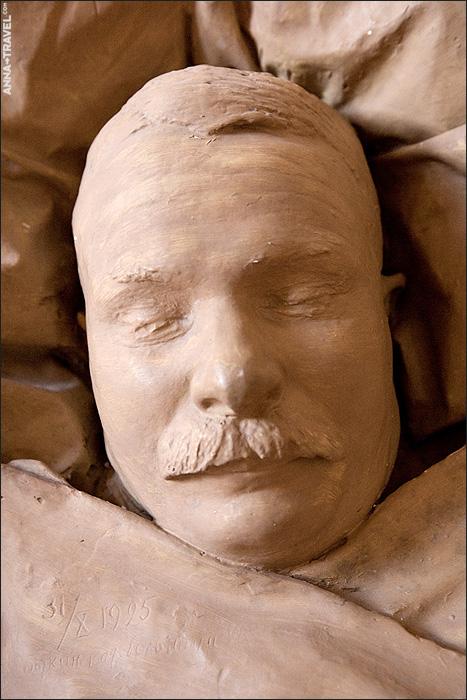 deathmasks of the famous soviet figures 8