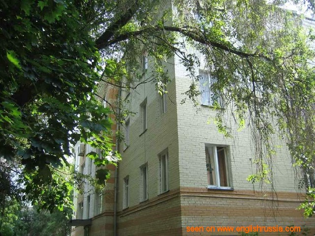 house in moscow was sold with dwellers