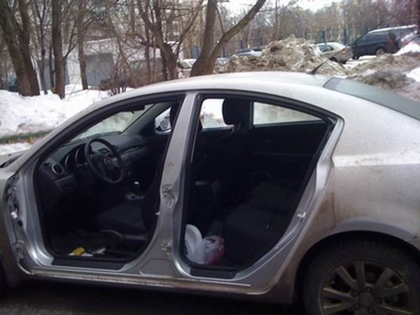 Doorless Russian Mazda