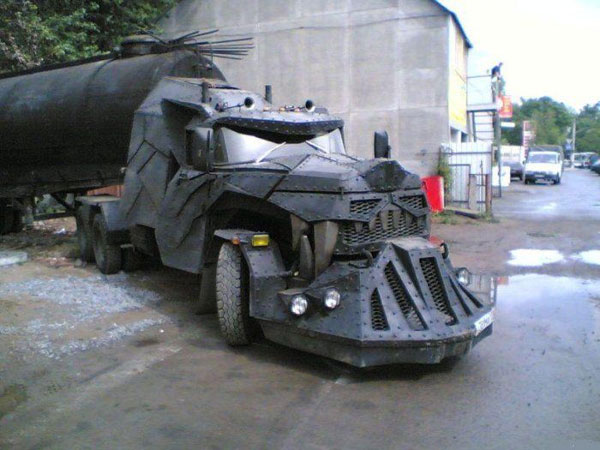 russian tank truck looking like a dragon 1